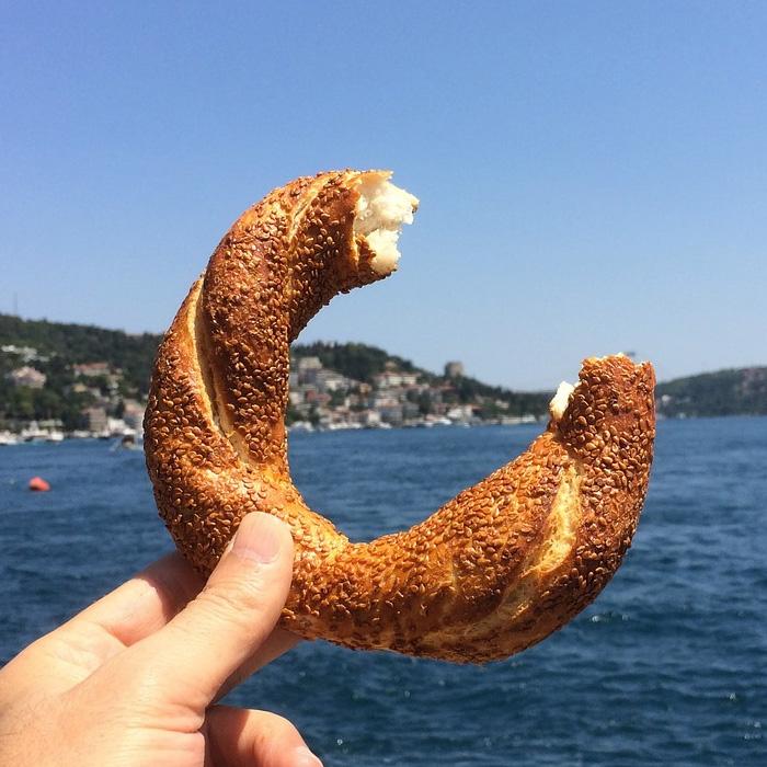 Simit - Turkish Bagel (Sesame Ring)