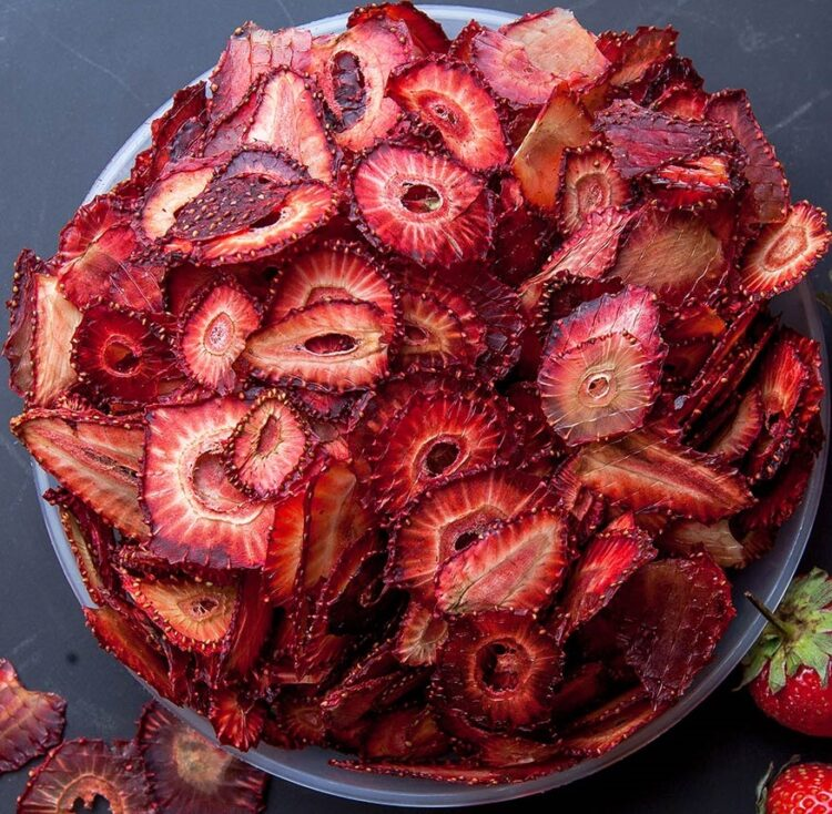 Turkish Natural Sun Dried Strawberry Chips