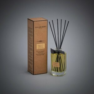 Tobacco Leaves Scented Bamboo Stick Air Freshener - Atelier Rebul