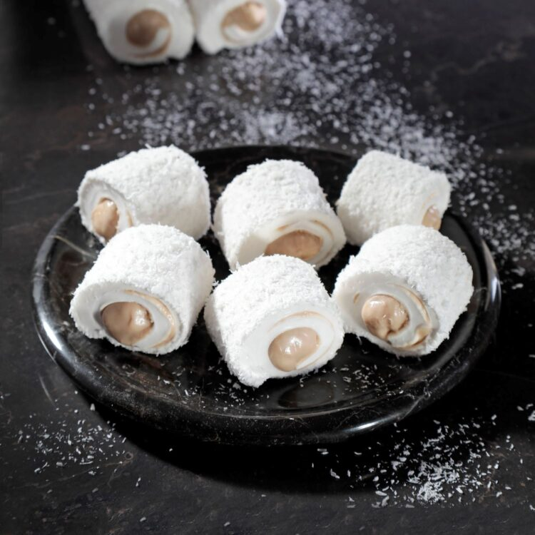 Turkish Delight Sultan (Coconut Covered With Hazelnut) - İkbal